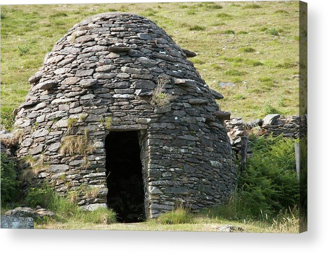 Clochan Acrylic Print featuring the photograph Ancient Beehive Hut by Sinclair Stammers