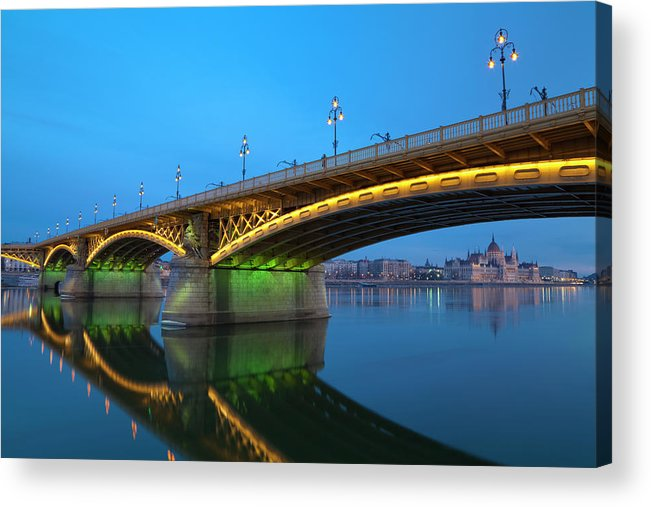 Town Acrylic Print featuring the photograph Margaret Bridge And The Parliament by Focusstock