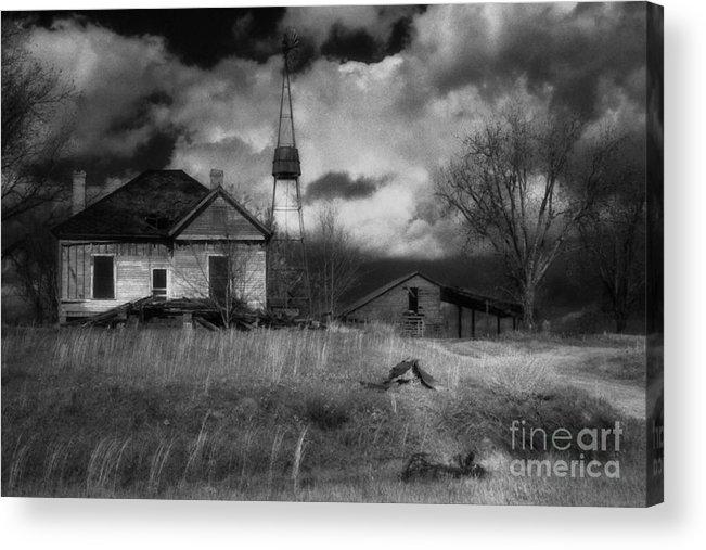 Farms Acrylic Print featuring the photograph Old Georgia Farm by Richard Rizzo