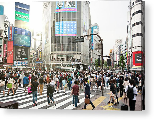 Crowd Acrylic Print featuring the photograph Sunny Day In Shibuya by Xavierarnau