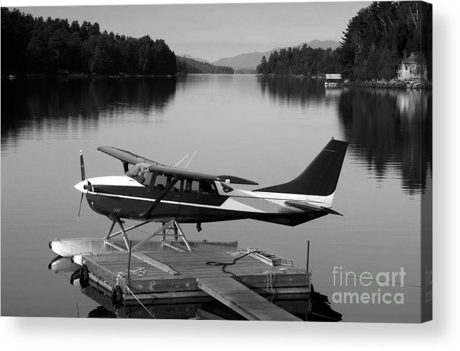 Float Plane Acrylic Print featuring the photograph Getting Away by David Lee Thompson