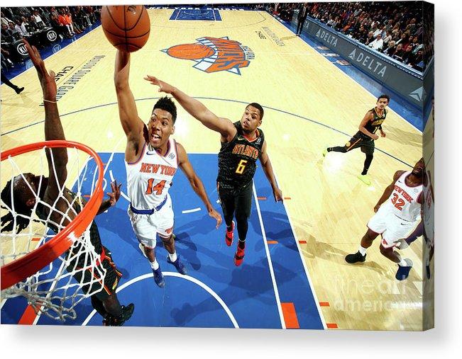 Nba Pro Basketball Acrylic Print featuring the photograph Atlanta Hawks V New York Knicks by Nathaniel S. Butler