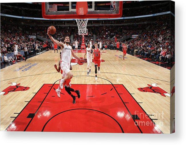 United Center Acrylic Print featuring the photograph Washington Wizards V Chicago Bulls by Gary Dineen