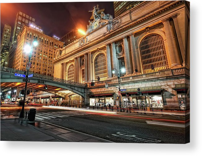 Statue Acrylic Print featuring the photograph Grand Central Station by Daniel Chui