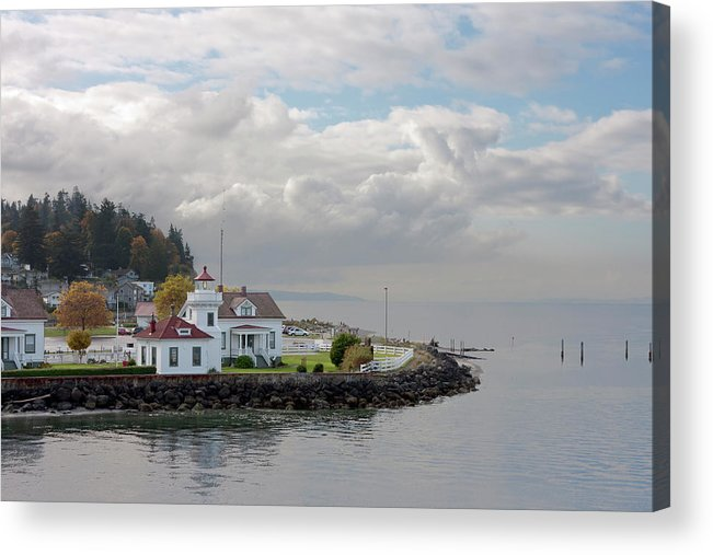 Water's Edge Acrylic Print featuring the photograph Mukilteo Lighthouse On Puget Sound by Stevedf
