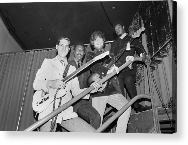 Steve Cropper Acrylic Print featuring the photograph Stax Records Christmas Concert by Michael Ochs Archives