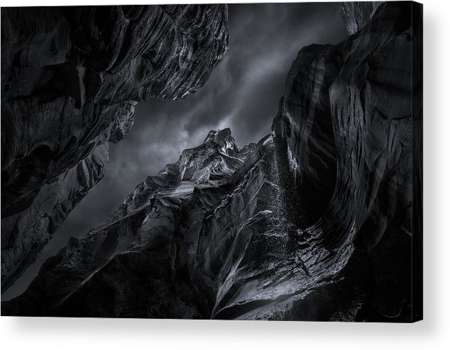 Landscape Acrylic Print featuring the photograph Zion-the Narrows by Louise Yu