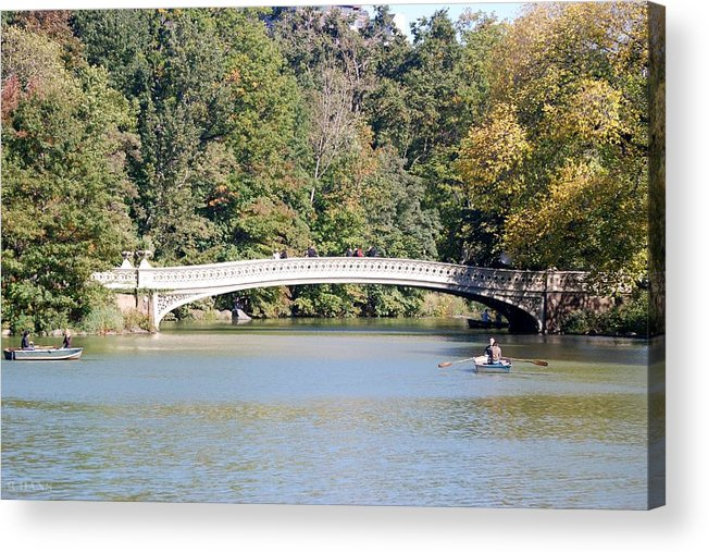 Central Park Acrylic Print featuring the photograph Bow Bridge by Rob Hans