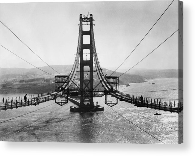 Viewpoint Acrylic Print featuring the photograph Golden Gate Bridge by Hulton Archive