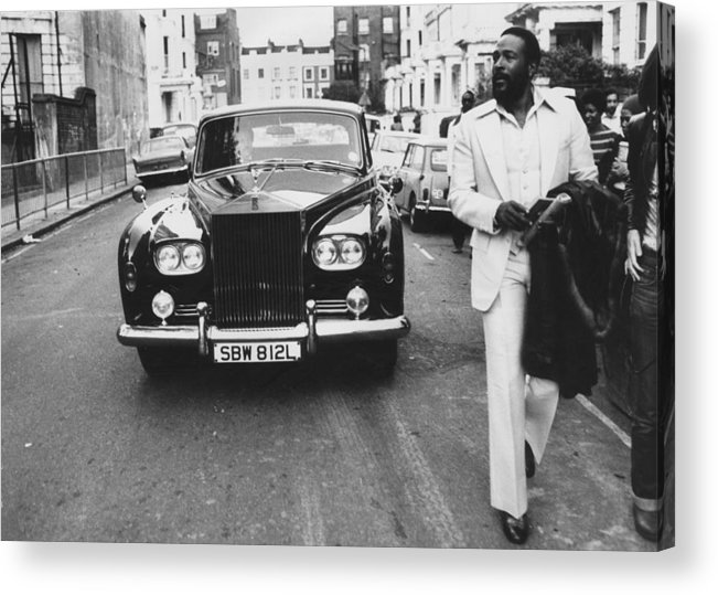 Rolls Royce Acrylic Print featuring the photograph Strolling Soul Singer by John Minihan
