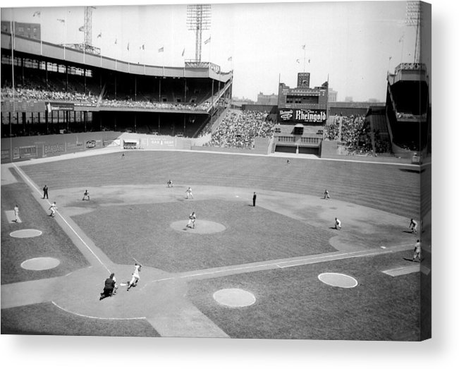 American League Baseball Acrylic Print featuring the photograph The Boston Braves And The New York Mets by New York Daily News Archive
