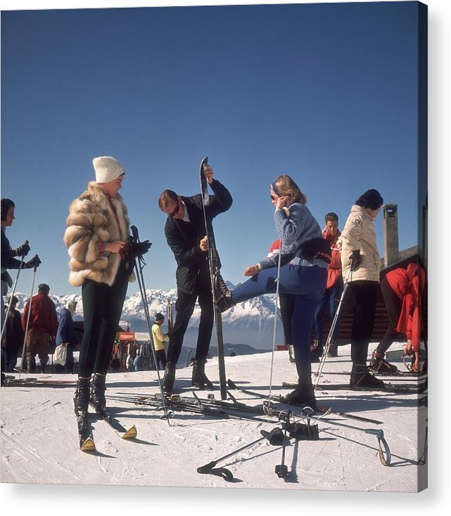 Skiing Acrylic Print featuring the photograph Verbier Skiers by Slim Aarons