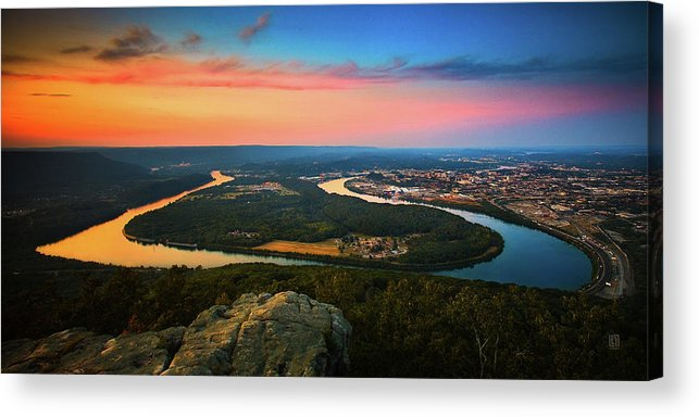 Moccasin Bend Acrylic Print featuring the photograph Point Park Overlook by Steven Llorca