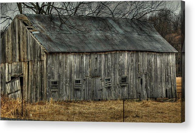 Rcouper Acrylic Print featuring the photograph Old Barn by Rick Couper