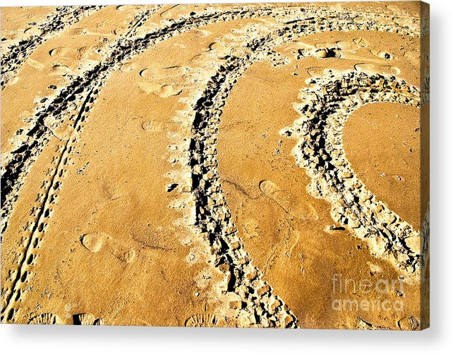 Trace Acrylic Print featuring the photograph Returning by Vadim Grabbe