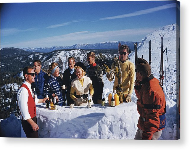 Skiing Acrylic Print featuring the photograph Apres Ski by Slim Aarons