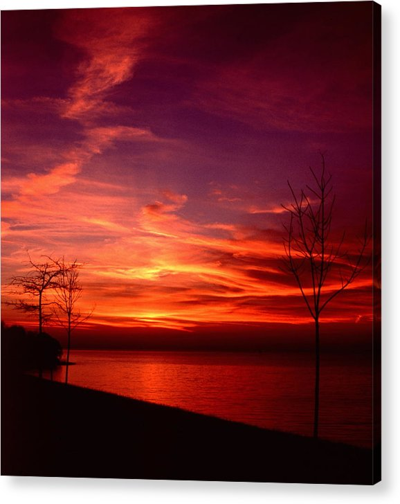 Sunsets Acrylic Print featuring the photograph 111701-25 by Mike Davis
