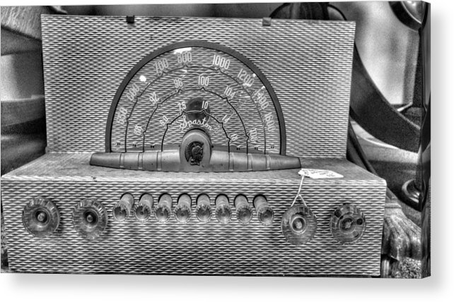 Vintage Radio Acrylic Print featuring the photograph Old Radio by Noel Adams