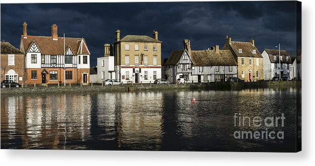 Godmanchester Cambridgeshire England Evening Georgian River Ouse Acrylic Print featuring the photograph Sunlight On The Causeway by Keith Douglas