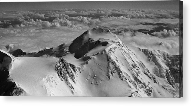North America Acrylic Print featuring the photograph Mount Mckinley - The Great One by Juergen Weiss