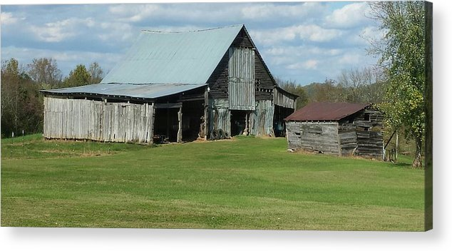 Acrylic Print featuring the photograph Tennesse Barn by Carol Lindquist