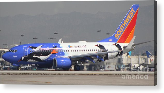 Southwest 737-400 Acrylic Print featuring the photograph Southwest Ailines Seaworld Livery by John Linder