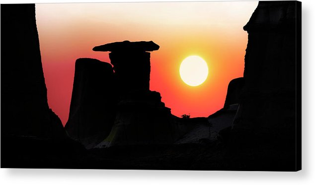 Middle Earth Acrylic Print featuring the photograph Hoodoo Sunrise by John Poon