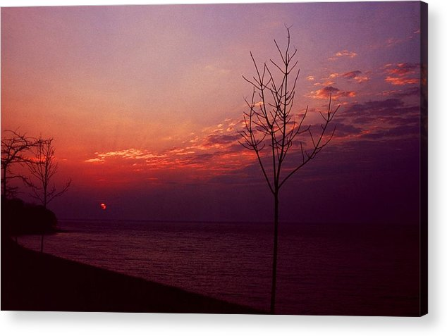 Sunset Acrylic Print featuring the photograph 112601-20 by Mike Davis
