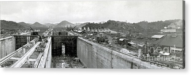 Technology Acrylic Print featuring the photograph Panama Canal Construction 1910 by Photo Researchers