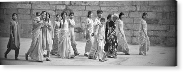 People Acrylic Print featuring the photograph Hindu Pilgrims In Madurai by Valerie Rosen