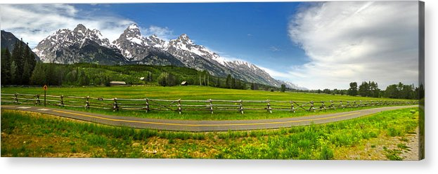 Wind River Range Acrylic Print featuring the photograph Wind River Range In West Central Wyoming - 04 by Gregory Dyer
