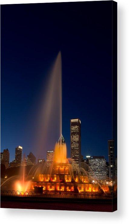Chicago Acrylic Print featuring the photograph Buckingham Fountain Chicago by Steve Gadomski