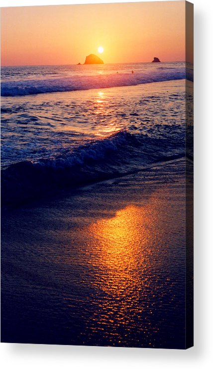 Sunset Acrylic Print featuring the photograph Zipolite Sunset In January 2 by Lyle Crump