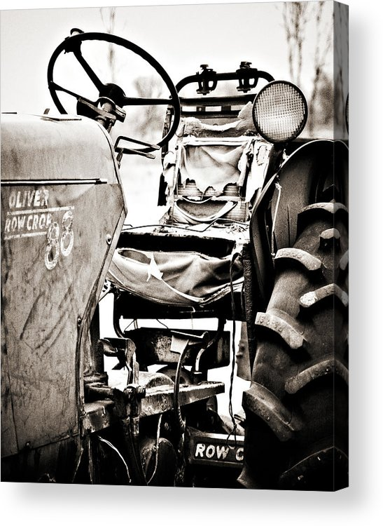 Americana Acrylic Print featuring the photograph Beautiful Oliver Row Crop Old Tractor by Marilyn Hunt