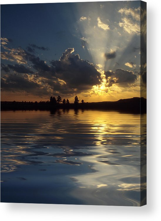 Sunset Acrylic Print featuring the photograph Sunray Sunset by Jerry McElroy