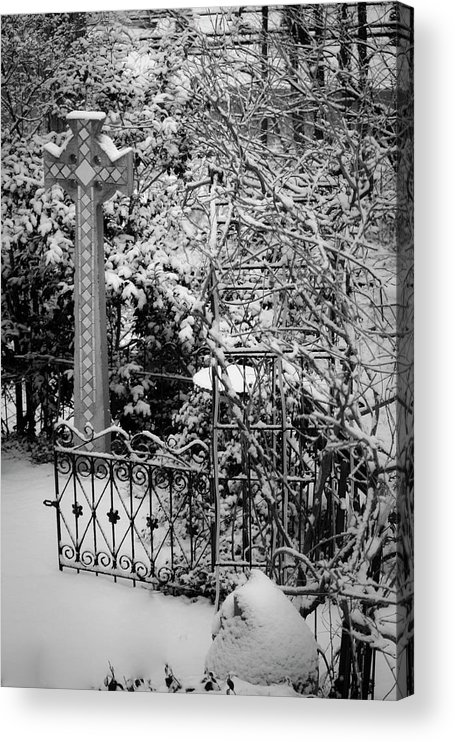 Christmas Acrylic Print featuring the photograph Christmas Snow in the Garden by Teresa Mucha