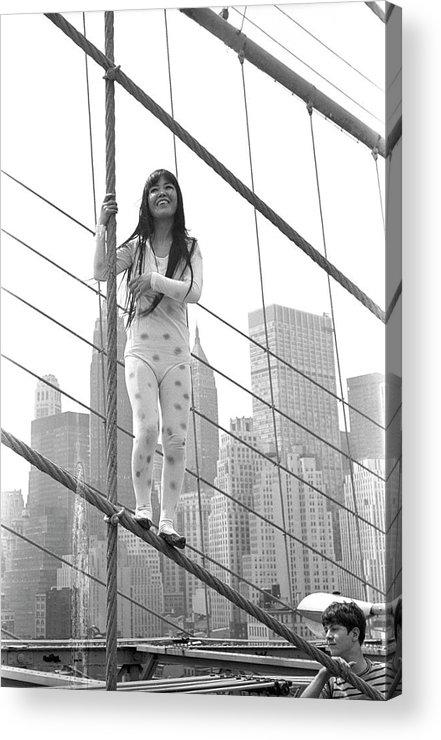 Artist Acrylic Print featuring the photograph Kusama On The Brooklyn Bridge by Fred W. McDarrah