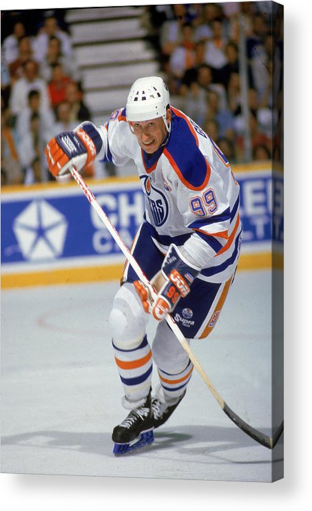 1980-1989 Acrylic Print featuring the photograph Wayne Gretzky In Action by B Bennett