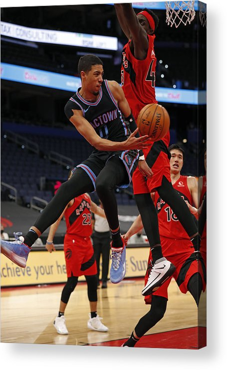Nba Pro Basketball Acrylic Print featuring the photograph Sacramento Kings v Toronto Raptors by Scott Audette