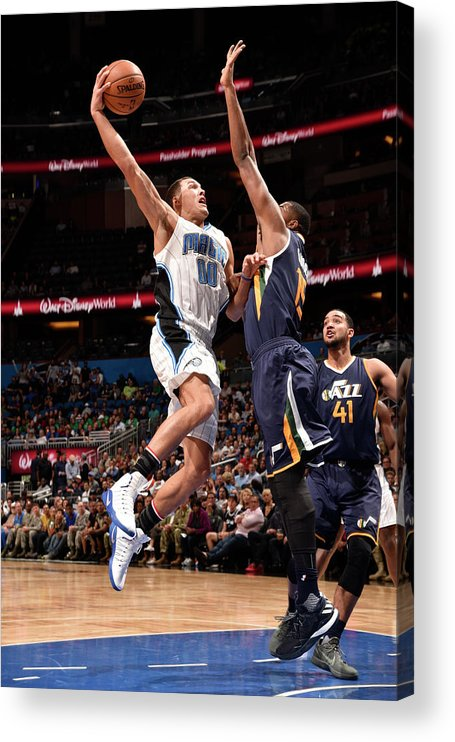 Nba Pro Basketball Acrylic Print featuring the photograph Aaron Gordon by Gary Bassing