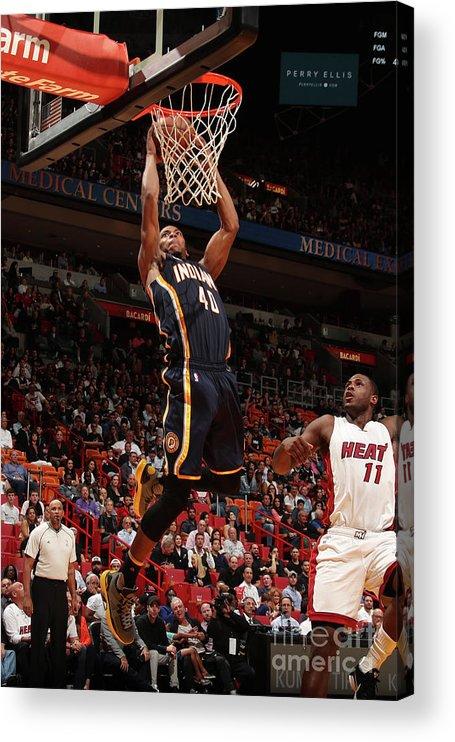 Nba Pro Basketball Acrylic Print featuring the photograph Glenn Robinson by Issac Baldizon