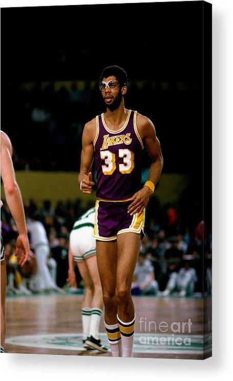 Nba Pro Basketball Acrylic Print featuring the photograph Kareem Abdul-jabbar by Dick Raphael