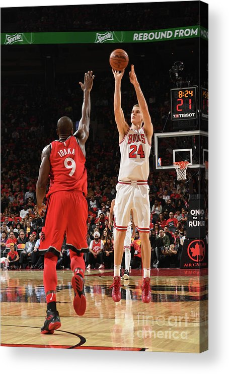 Chicago Bulls Acrylic Print featuring the photograph Lauri Markkanen by Ron Turenne