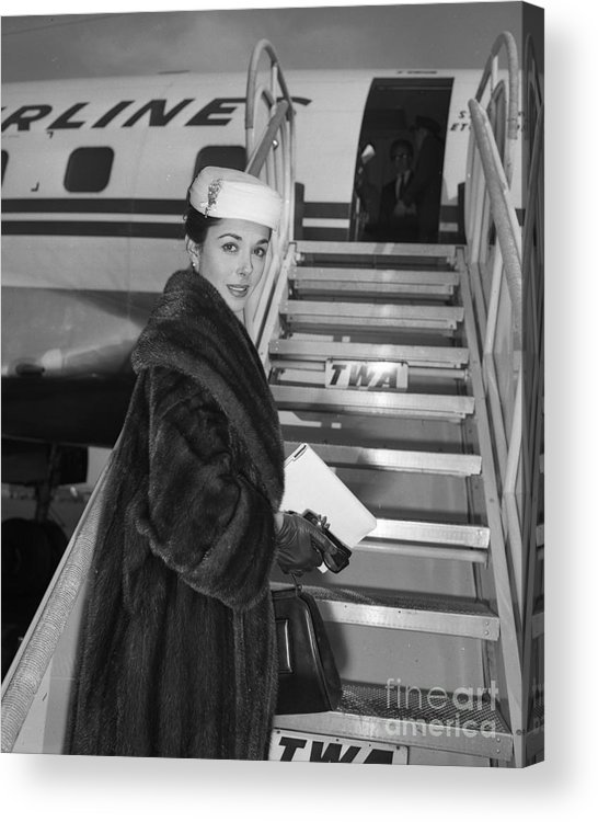 1950-1959 Acrylic Print featuring the photograph Dana Wynter In New York by New York Daily News Archive