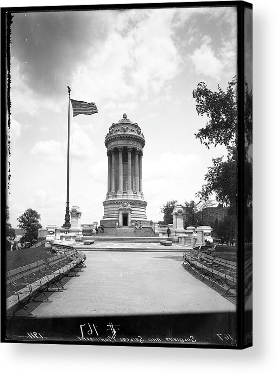 1910-1919 Acrylic Print featuring the photograph Soldiers And Sailors Monument by The New York Historical Society