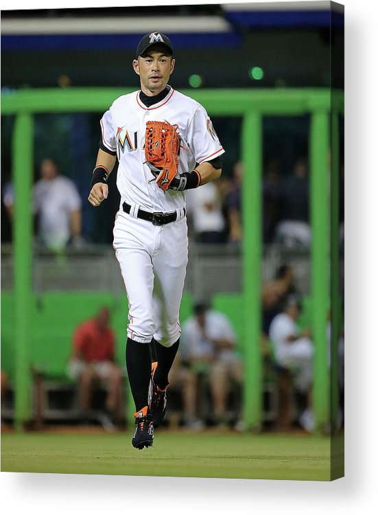 People Acrylic Print featuring the photograph Ichiro Suzuki by Mike Ehrmann