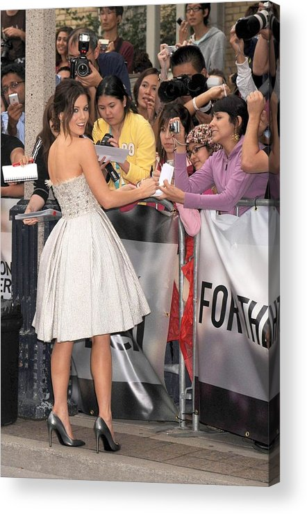 Nothing But The Truth Gala Premiere Acrylic Print featuring the photograph Kate Beckinsale Wearing An Elie Saab by Everett