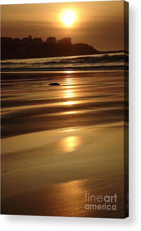 Atlantic Ocean Acrylic Print featuring the photograph Hampton Beach New Hampshire Usa by Erin Paul Donovan