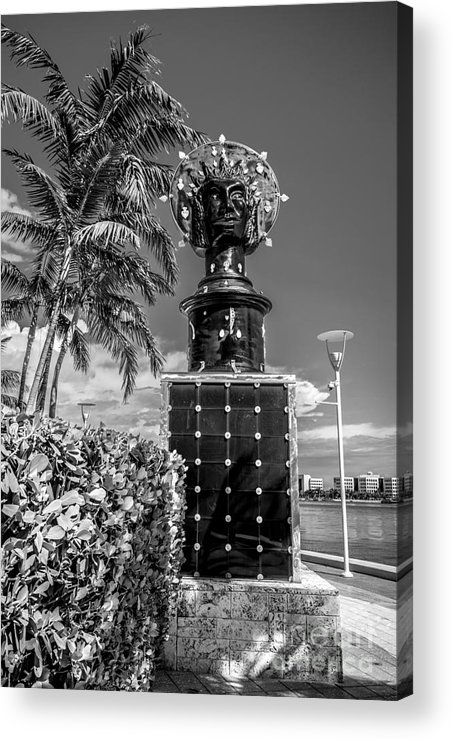 America Acrylic Print featuring the photograph Blue Crown Statue Miami Downtown - Black And White by Ian Monk