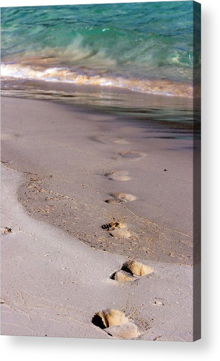 Bermuda Acrylic Print featuring the photograph Bermuda by Lori Goodwin